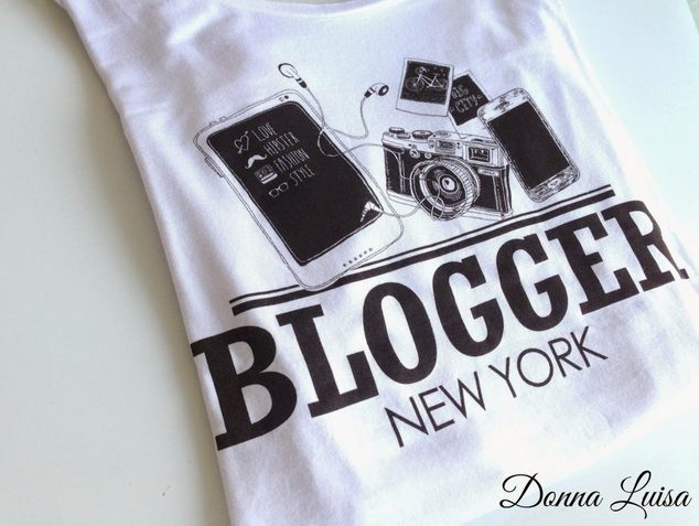 FASHION: Blogger T-shirt