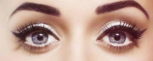 TREND: Zwarte en witte eyeliner