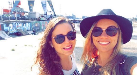 Wat als één van je vriendinnen naar het buitenland vertrekt?