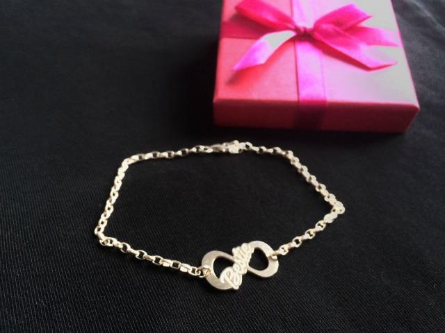 Bestfriend infinity armbandje van Names4Ever